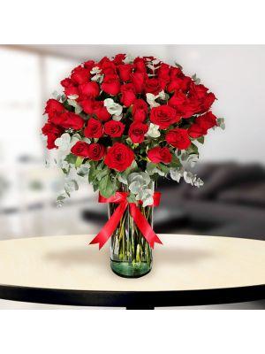 50 Rosas en Florero de Vidiro